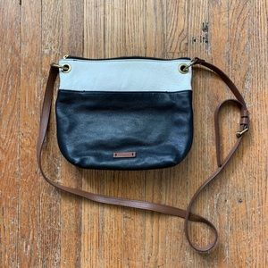 Fossil Purse. Classic and simple.